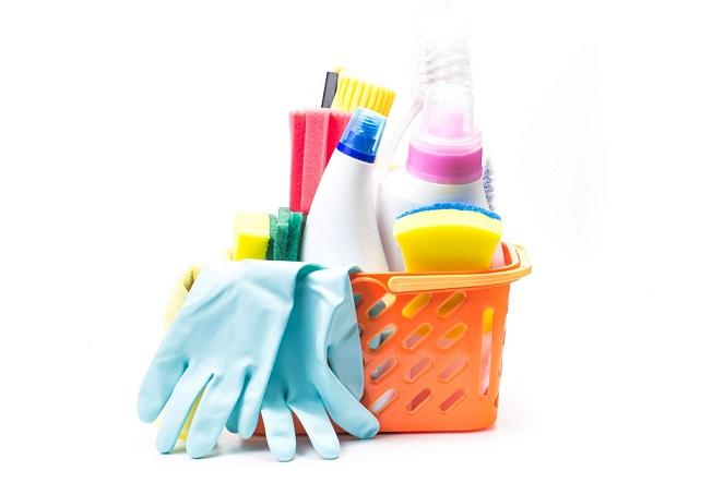 חומרים לניקיון הבית באופן יסודי